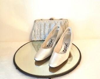 Vintage Shoes Pumps Silver metallic Pumps Shoes Vintage Fashion Accessories Risque Shoes Wedding Bridal Dancing