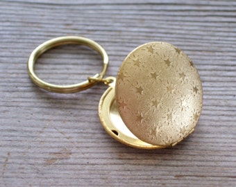 Star Locket, Gold Star Locket Key Chain, Gold Brass Locket Key Ring , Star Locket Split Ring Key Holder