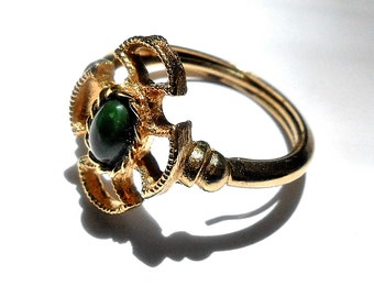 Ring, Costume Jewelry, Jade Green, Everyday Ring, Avon, Expands to size 9  Gift Box