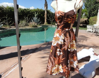 Vintage 1970s Hawaiian dress sundress Sand Pebble smocked pinup bombshell brown tropical floral S/M lightweight