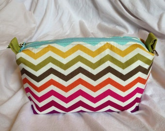 Multi Chevron Essential Oils Case Pouch, holds 10 bottles, 5ml - 15 ml (.5 oz), Ready to ship.   Blue, Green, Orange, Pink, Purple.