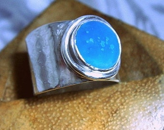sterling silver wide band ring with gemstone, size 6 1/2 to 7 1/4.