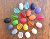 Mixed bag of 22 x mini oval shaped resin beads approx 17mm x 12mm