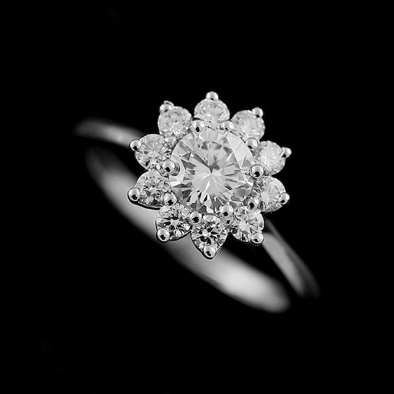 Flower Halo Wedding: Diamond Engagement Ring Flower Halo Ring Natural Round