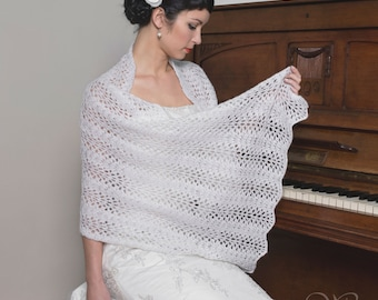 30% OFF!!!! BRIDAL SHAWL wedding wrap soft and warm lacy pattern light cream perfect for winter wedding