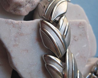 Vintage Crown Trifari Silver Tone Link Bracelet