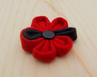 """The Chicago-Wool Lapel Flower// 1 1/2"""" Lapel Flower//Boutonniere// wedding//flower lapel pin//Red with black leaf//wool felt"""