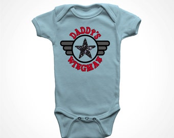 Daddys Wingman Little Boys Shirt Newborn Pilot I Love Dad Fathers Day Kids Tee Baby Jumpsuit Airplane Design Flight School 0 6 12 18 24