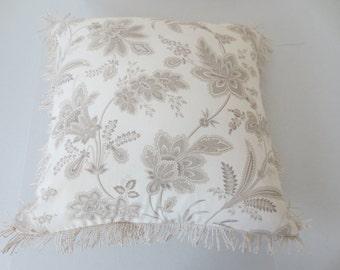 Cream Flower Cover  358PC