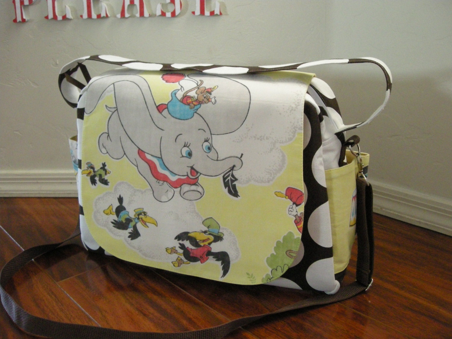 disney dumbo diaper bag shoulder and messenger bag. Black Bedroom Furniture Sets. Home Design Ideas