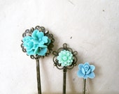 Mint Green Hair Accessories. Handmade Resin Flower Bobby Pins in Teal, Baby Blue, Mint. Antique Bronze Filigree Flower Hair Pins Set of 3.