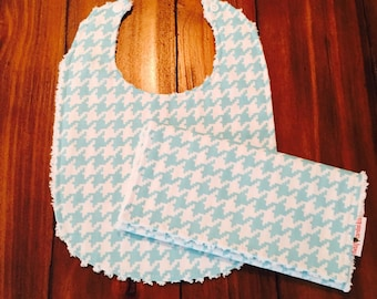 Teal Houndstooth Bib and Burp Cloth Set