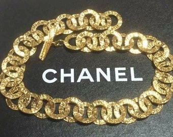 MINT. Vintage CHANEL golden logo embossed hoop chain necklace. Gorgeous vintage masterpiece.