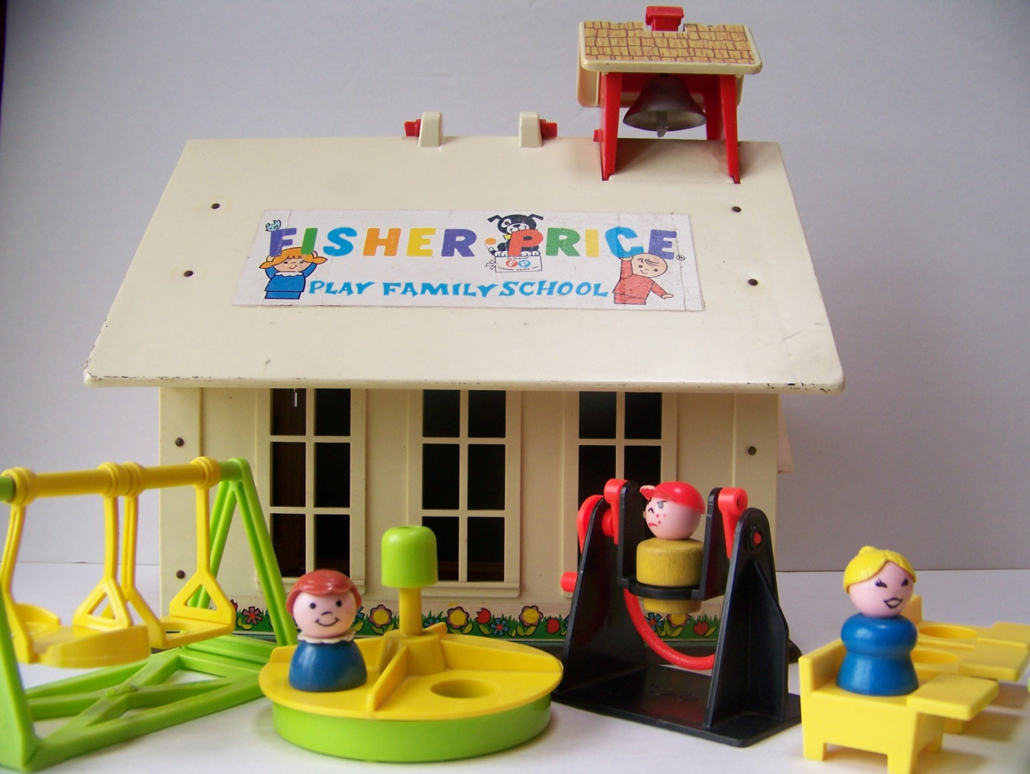 Vintage Fisher Price Play Family School With Little People