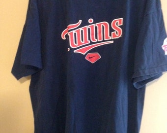 Minnesota Twins t shirt   size XL
