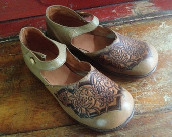 French Limoges Girls Shoes, Mary Janes, Jackie Style, Brown Embossed Leather Original Box