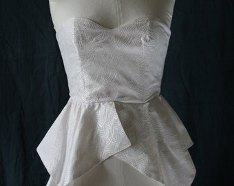 1980 's strapless top off-white, graphic woven pattern