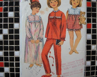 vintage 1960s simplicity sewing pattern 6815 girls nightgown and pajamas size 10