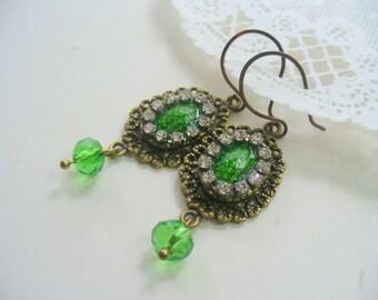Green Oval Dangle Earrings, Antique Brass Earring, Green Snake Skin Cameo, Summer Earring, DLAbeaddesign
