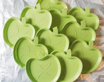 Vintage Coaster Set: 11 Green Apples Plastic 1960s 60s Kitsch