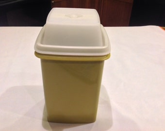 Blast from past - Avocado Green Tupperware Pickle Caddy