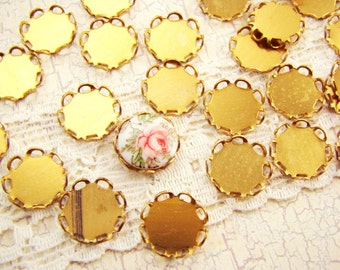 10mm Round Raw Brass Lace Scalloped Edge Settings Connectors - 12