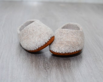 Felted slippers, wool slipper, home shoes, beige, leather soles