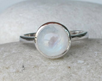 Round Moonstone Ring- Smooth Rainbow Moonstone Ring- Simple Moonstone Ring- Minimal Boho Gemstone Ring- Stack June Birthstone Ring