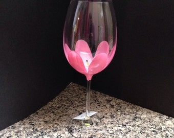 Pink Tulip hand painted wine glass, flower wine glass,hand painted wine glass,pink flower wine glass