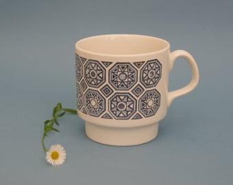 Retro teacup coffee mug Staffordshire pottery circa 1970s blue abstract geometric pattern