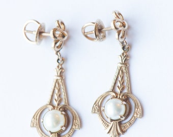 Your Highness: Victorian pierced pearl 10k gold screw on back earring - awesome for wedding/bride
