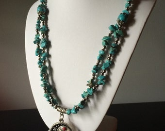 Turquenite Gemstone Beaded Medallion Pendant Necklace; turquoise necklace, turquoise jewelry, gifts, gemstone chip necklace