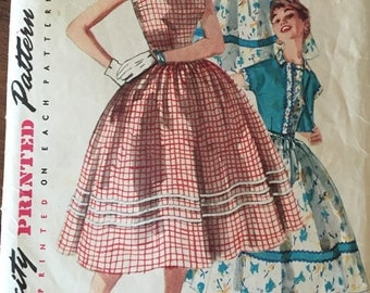 Vintage Simplicity Pattern Junior and Misses' one piece dress and jacket