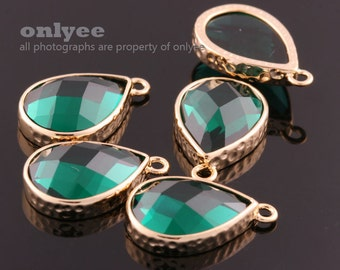 2pcs-18mmX11mmBright Gold Faceted tear drop glass with hammered bezel pendants-Emerald(M365G-J)