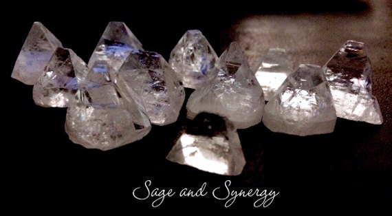 Apophyllite Points, Apophyllite Pyramids, Apophyllite Triangles, Crystal Grids, Crystal Pyramids, Energy Work, Meditation, Sacred Geometry