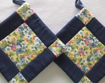 Quilted Pot Holders, Hot Pads, Oven Mitts