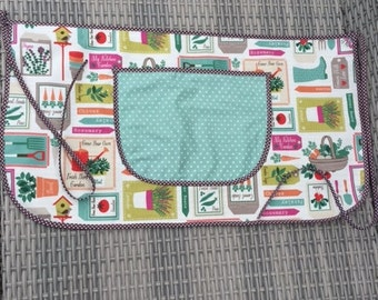 Gardening apron with pocket