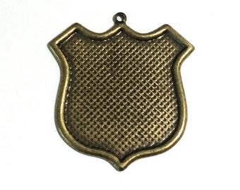 2 Brass Pendant, Antique Brass, Pendant, Charm