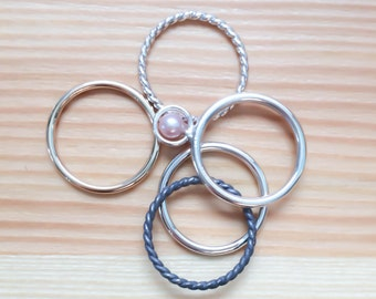 5 Sterling silver rings/ 1 ring in gold filled, 1 ring with pink freshwater pearl