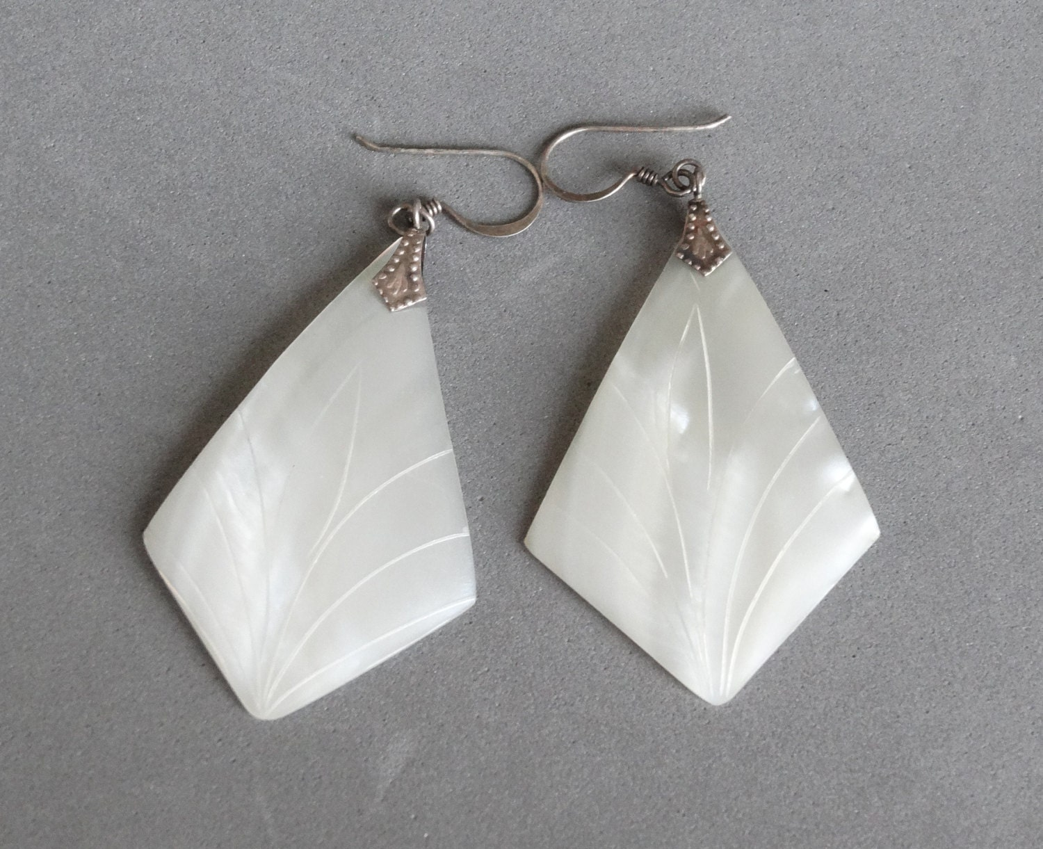 Vintage Mother Of Pearl Dangle Earrings White Carved Shell
