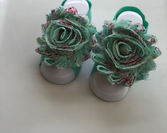 Adorable Aqua Floral Print Shabby Chic Fabric Flower Baby Barefoot Sandals, Baby Girl Barefoot Sandals, Newborn Baby Girl Barefoot Sandals