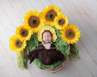 Crochet Sunflower Bonnet- Newborn to 6-12 Months- Photo Prop