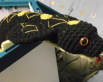 Black and gold cobra, crochet cobra amigurumi, black snake, black cobra, ready to ship