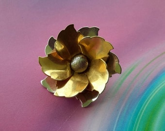 vintage brooch pin jewelry costume flower