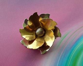vintage brooch pin jewelry costume flower