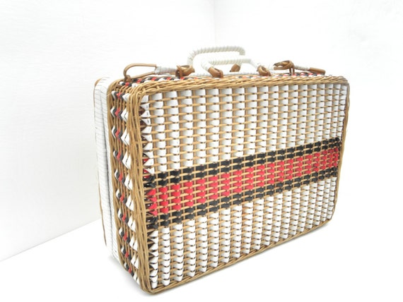 Red Plastic Picnic Basket : Vintage picnic basket red white and blue woven with