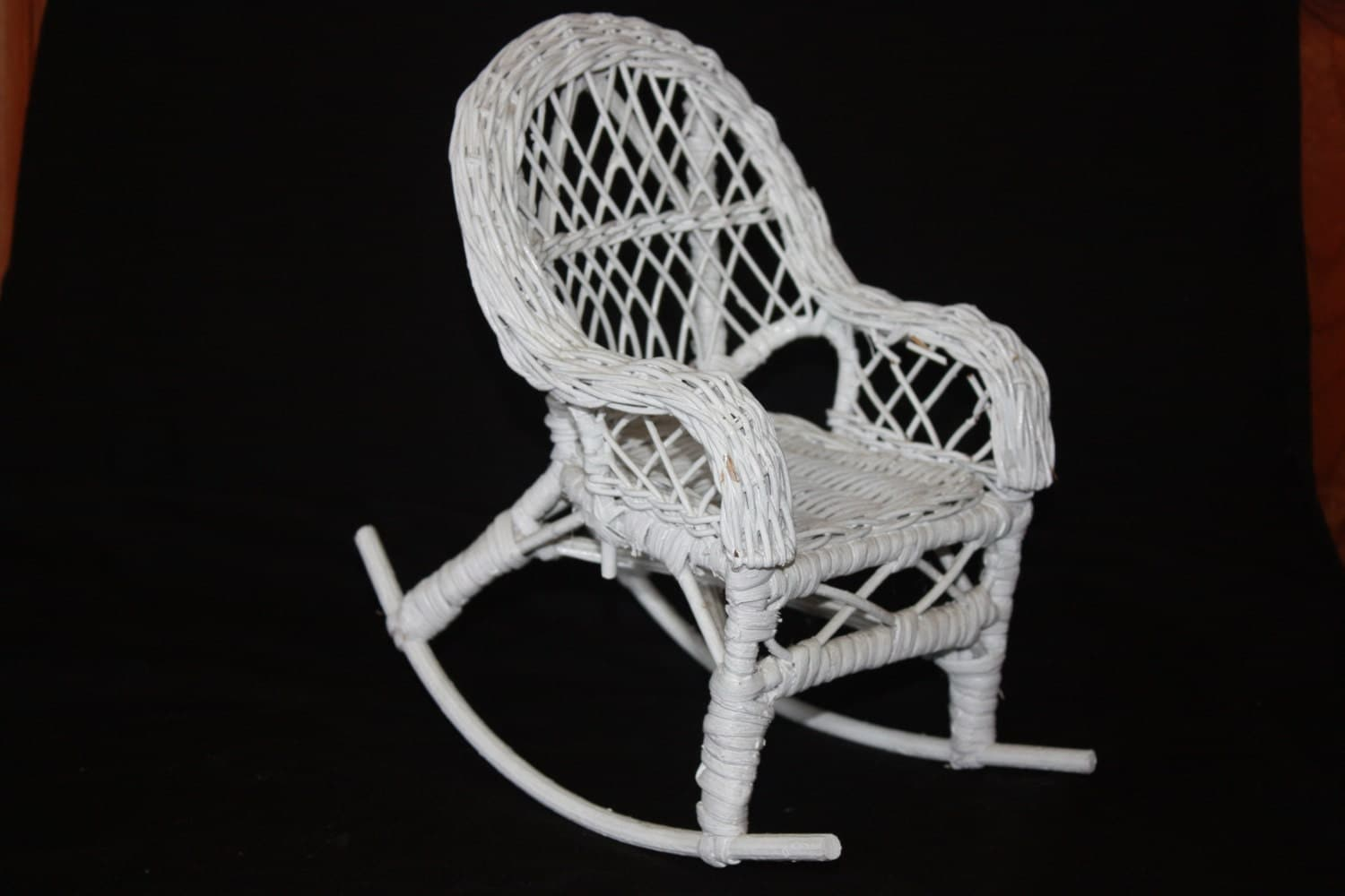 vintage white wicker doll rocking chair. Black Bedroom Furniture Sets. Home Design Ideas
