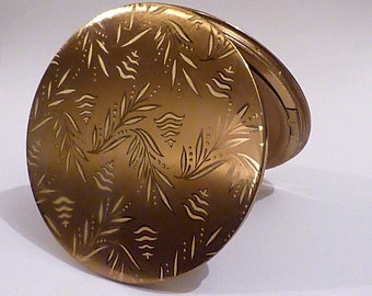 Vintage gifts for her compacts compact mirrors Vogue Vanities powder mirror compacts bridesmaids gifts 1950s