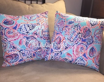 """Lilly Pulitzer """"Shell Me About It"""" fabric 16x16  Pillow"""