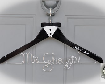 GROOM / CUSTOM NAME Coat Hanger - Bestman - Groomsman - Ring Bearer - Father of the Groom - Father of the Bride - Custom Name Wedding Hanger